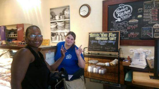 Great Service And Young Lady Is Asl Fluent A Plus For Sister Awesome Gooey Bar And Lemon