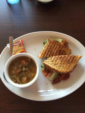 Story City, IA: Roast Beef soup and 1/2 BLT lunch