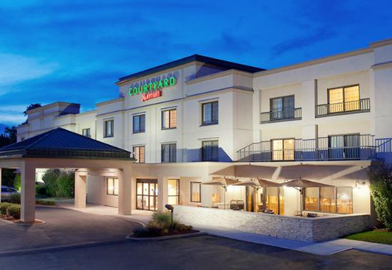 Courtyard By Marriott Albany Thruway