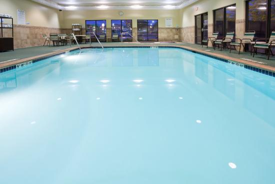 Photo of Holiday Inn Express and Suites Cedar Rapids