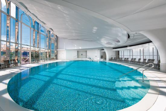Swimming pool thermes marins monte carlo picture of for Paris hotel swimming pool