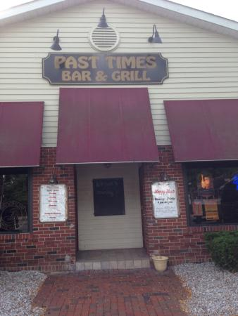 Kings Park, NY: Past Times Bar & Grill