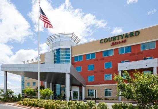 Courtyard by Marriott Minneapolis Maple Grove/Arbor Lakes
