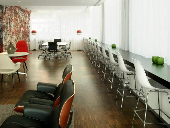 citizenM Amsterdam: Work Space