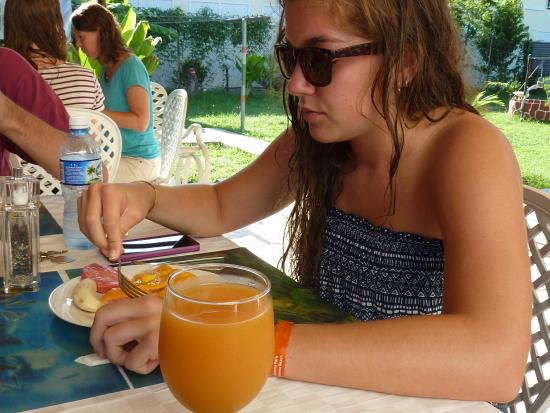 El mejor jugo de mango que prob en cuba picture of for Hostal casa amarilla