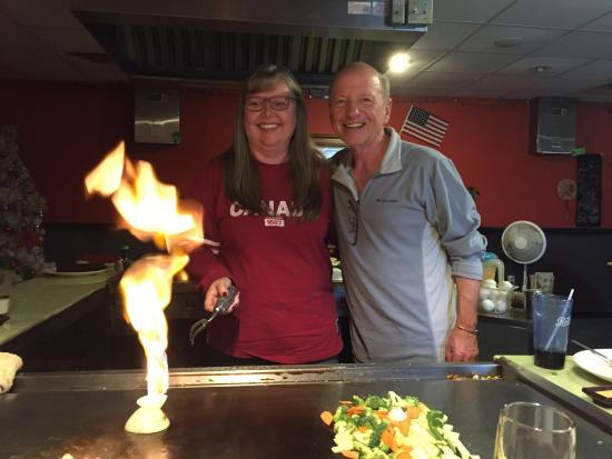 Prairie du Chien, Ουισκόνσιν: Everyone gets to share in the fun of onion volcanoes