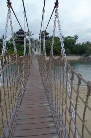 Floating Bridge at Siloso Beach