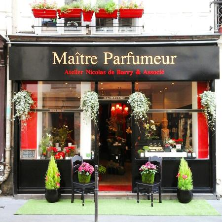 devanture magasin picture of atelier maitre parfumeur paris tripadvisor. Black Bedroom Furniture Sets. Home Design Ideas