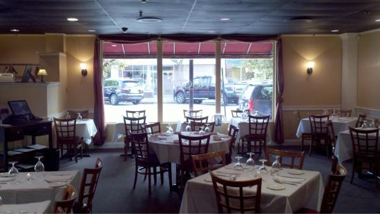 Glen Rock, NJ: A few minutes before the dinner opening.