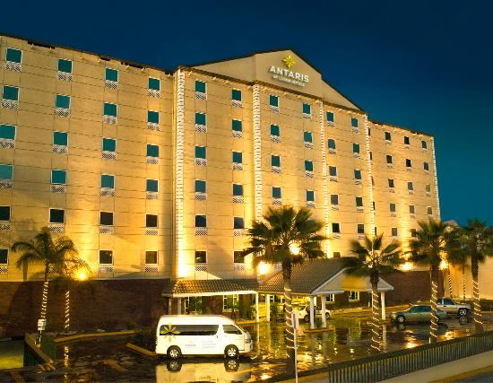 Photo of Hotel Antarisuite Galerias Monterrey