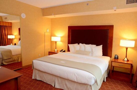 2 Bedroom King Bed Picture Of Embassy Suites By Hilton Charlotte Concord Golf Resort