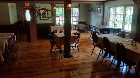 Pittsfield, VT: Eat in the tavern or in our comfortable dining room