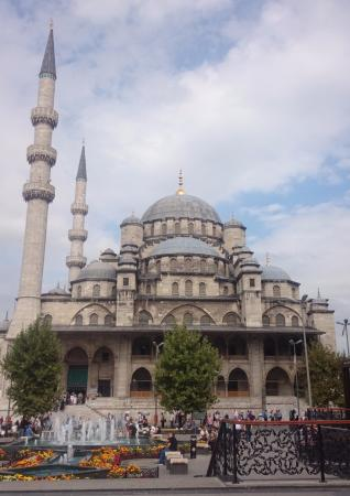 Mezquita Nueva - Picture of Historic Areas of Istanbul ...