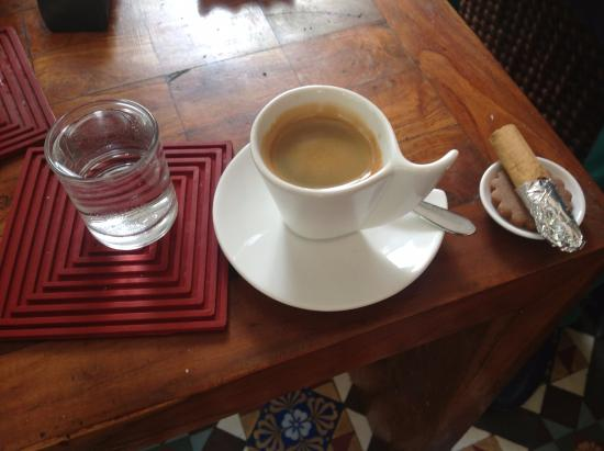 Casa Colombo: Coffee service in the lobby