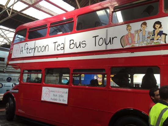 describe an afternoon at the bus A rush hour (american english, british english) is a part of the day during which traffic congestion on roads and crowding on public transport is at its highest.