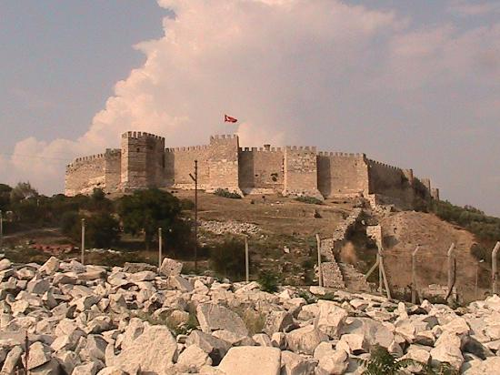 Цистерны в крепости - Picture of Ayasoluk Castle, Selcuk ...