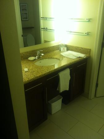 Residence Inn Charleston North: Bathroom sink