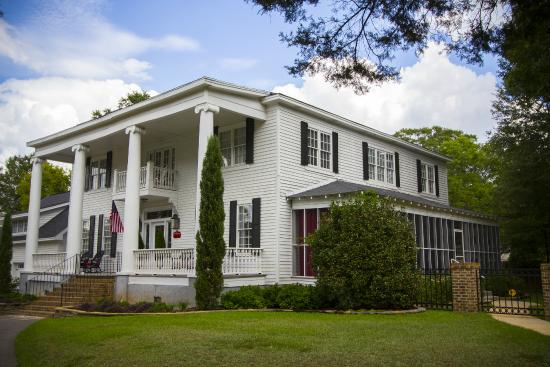 Bama Bed and Breakfast Campus