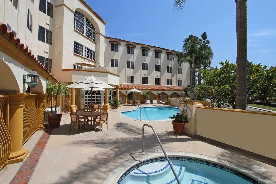 Hampton Inn & Suites Santa Ana/Orange County Airport
