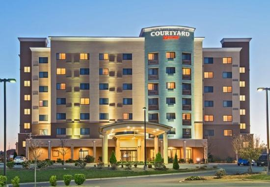 Courtyard Charlotte Concord