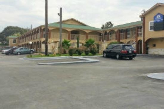 Country Garden Inn and Suites