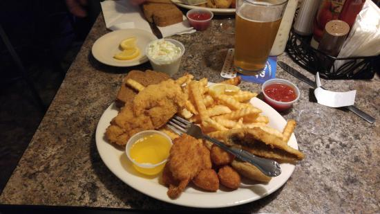 Seafood combo plate friday fish fry picture of just for Fish fry in my area