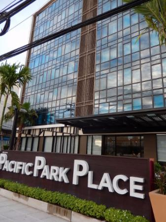 Pacific Park & Residence Hotel