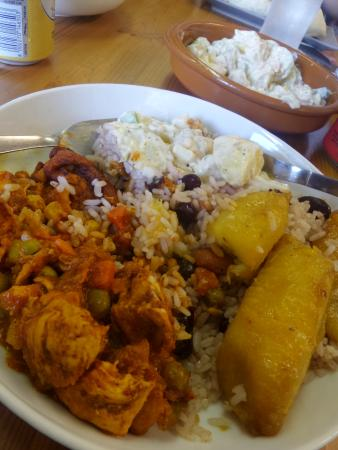 TK snax Photo: Stew Chicken Belize