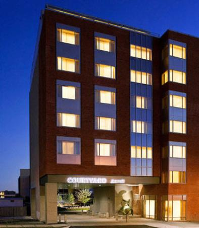 Courtyard by Marriott Burlington Harbor