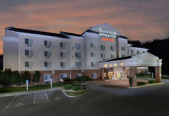 Fairfield Inn & Suites Roanoke North