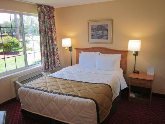Studio suite 1 queen bed picture of extended stay america orlando altamonte springs for Extended stay america one bedroom suite