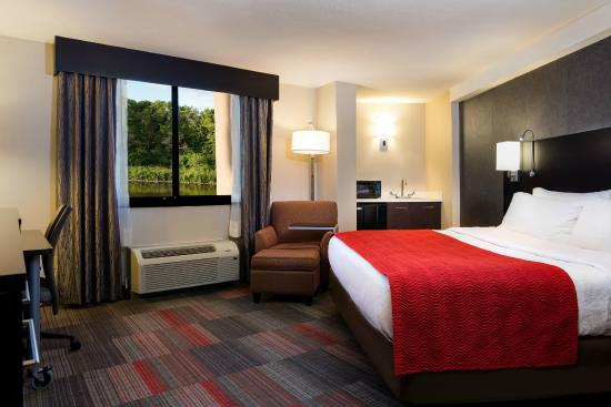 Milwaukee River Inn