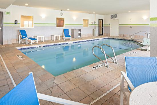 Swimming Pool Picture Of Holiday Inn Express Hotel Suites Manchester Airport Manchester