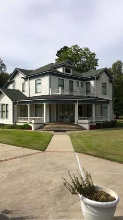 Piggott, AR: Paul and Mary Pfeiffer Home