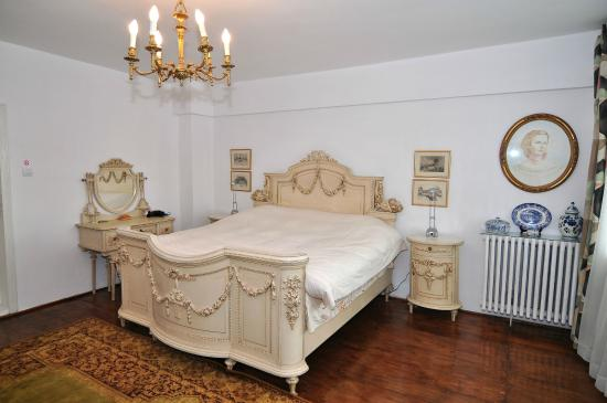 Chambre louis xv picture of bed breakfast popamuseum for Chambre louis xv
