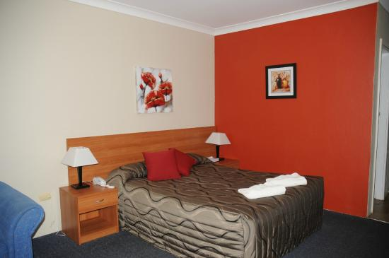 2 Bedroom Family Suite Picture Of Amber Court Motor Inn