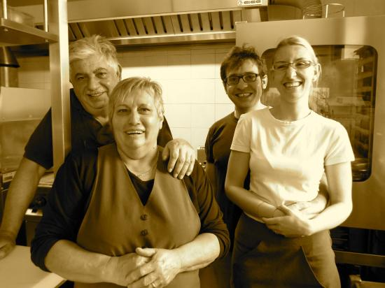Casola in Lunigiana, Italy: The gang at Lo Spino.