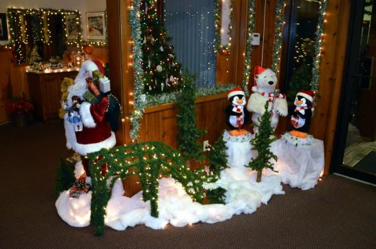 Christmas Decorations In Hotel Lobby : Christmas decorations in the hotel lobby picture of