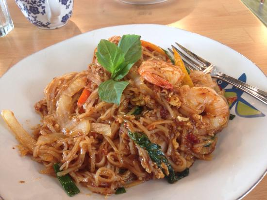 Spicy crispy duck Spicy pad Thai with shrimp Butterfly ...