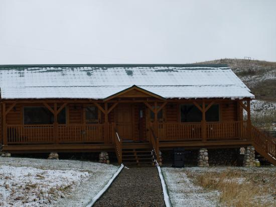 Twin Butte, Canada: Looking back at the cabins