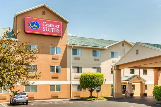 Photo of Comfort Suites Portland Airport