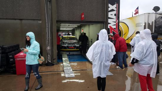 On pit row picture of charlotte motor speedway concord for Charlotte motor speedway condo rental