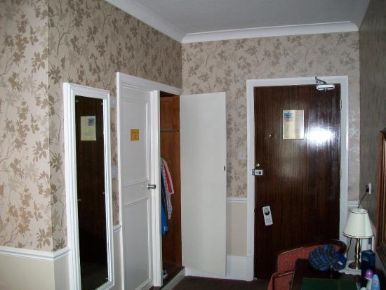 Hackness, UK: Tired rooms