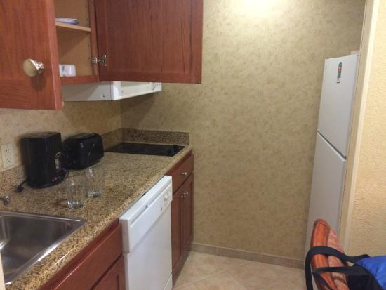 Homewood Suites by Hilton Asheville- Tunnel Road: kitchen