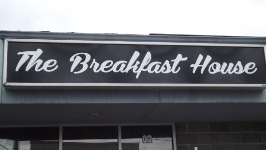 Callander, Canada: The Breakfast House (I call it Quirts Version 6.0, reflecting the number of owners since the ori