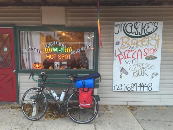 White Cloud, MI: Storefront and my ride