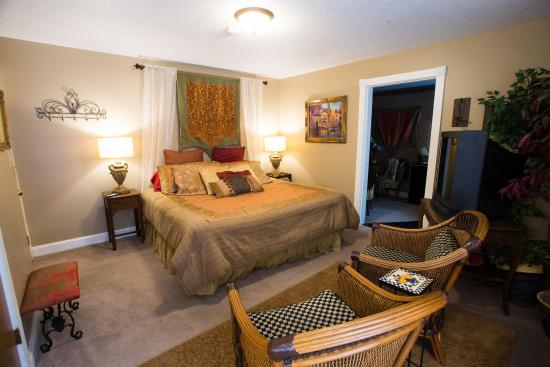 Woodstock Inn Bed and Breakfast: Itailain Suite