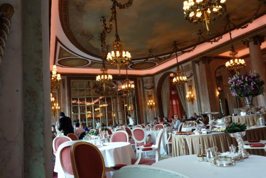 Europe 39 s most beautiful dining room picture of the ritz for Most beautiful dining rooms