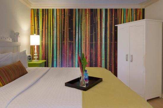 Single Bed Guest Room - Picture of Hotel Indigo Miami Lakes, Miami ...