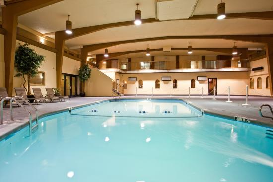 Swimming pool picture of holiday inn great falls great - Swimming pools in great falls montana ...